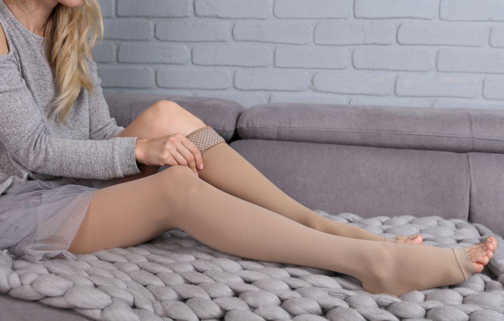Pourquoi faut –il porter des bas de contention après une chirurgie esthétique ?